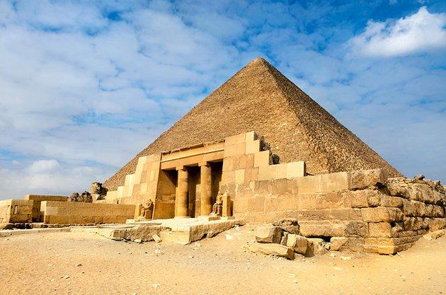 Хеопсовата пирамида